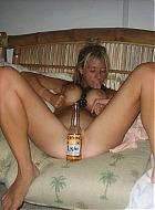 betrunkene Partygirls zeigen sich nackt